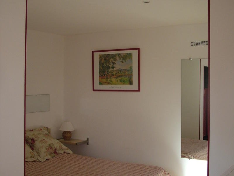nath intercambia casa en marseille francia. Black Bedroom Furniture Sets. Home Design Ideas