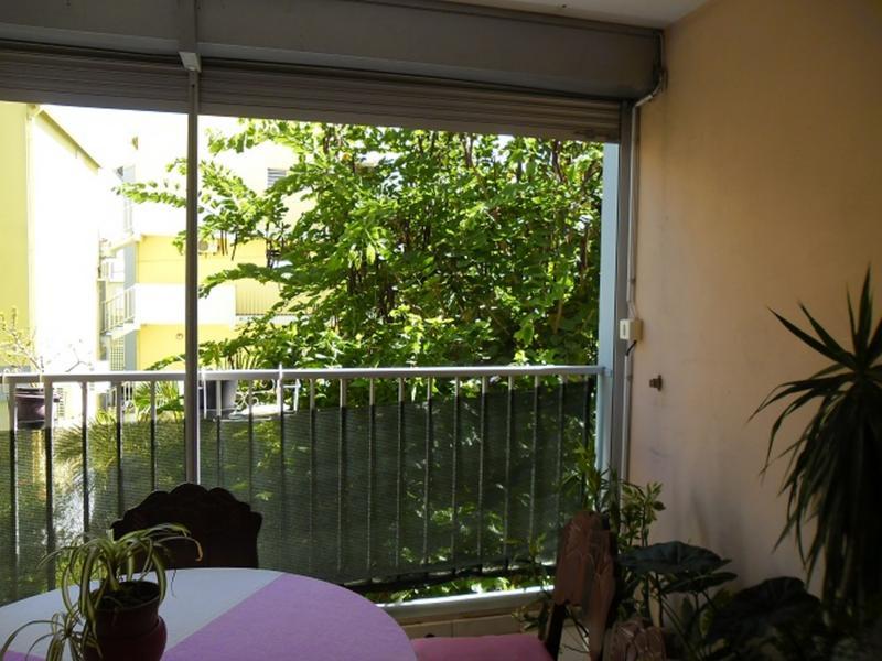 Roxane change de maison saint denis r union for Jardin interieur appartement