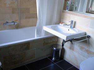 mame tausche haus in berlin (deutschland) – homeforhome, Badezimmer