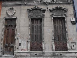Yael intercambia casa en san telmo argentina for Casa de diseno san telmo