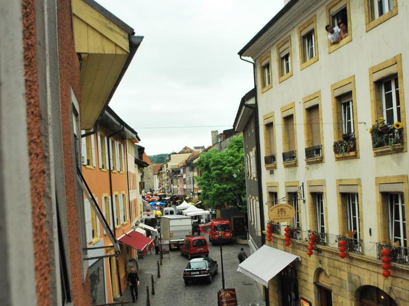 Roccafunes intercambia casa en yverdon suiza for Micasa lausanne