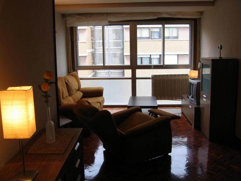 Pamplon s intercambia casa en pamplona iru a espa a for Compartir piso pamplona