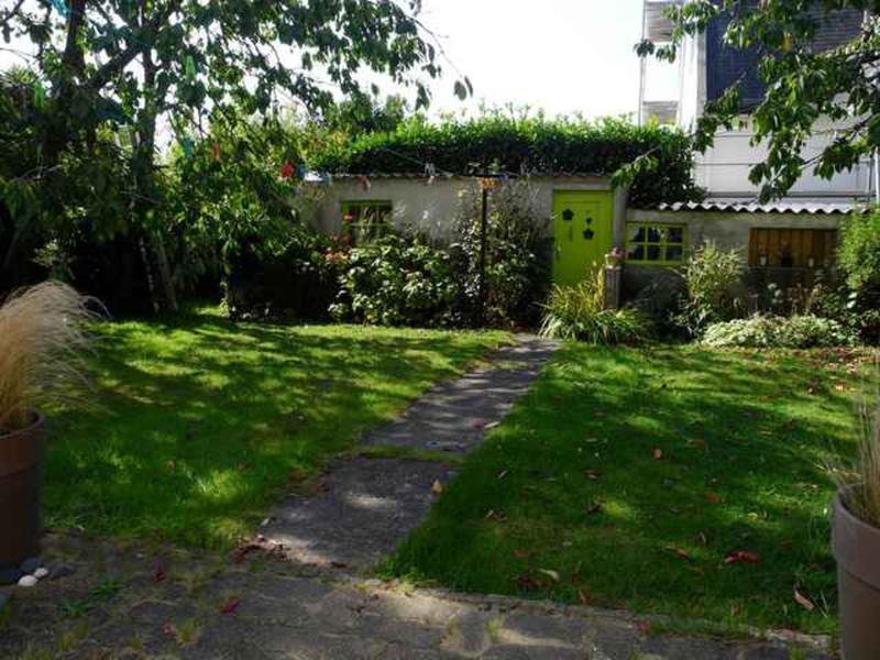 Cath intercambia casa en saint brieuc francia for Jardin 700m2