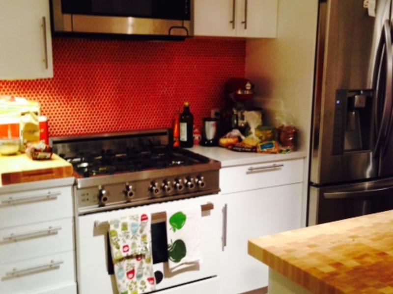 lisa change de maison new york etats unis. Black Bedroom Furniture Sets. Home Design Ideas