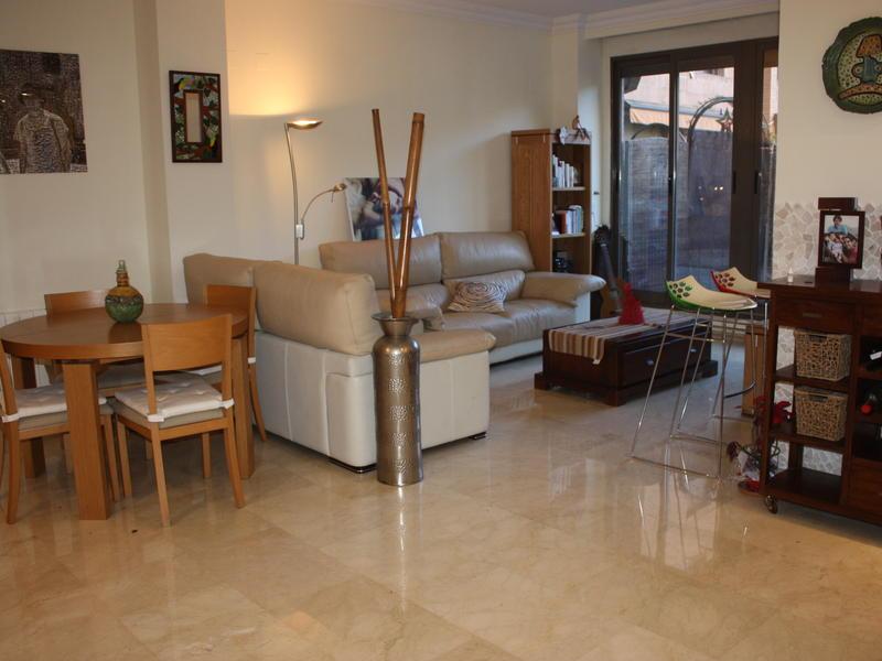 Villa intercambia casa en valencia espa a for Apartamentos con piscina en valencia