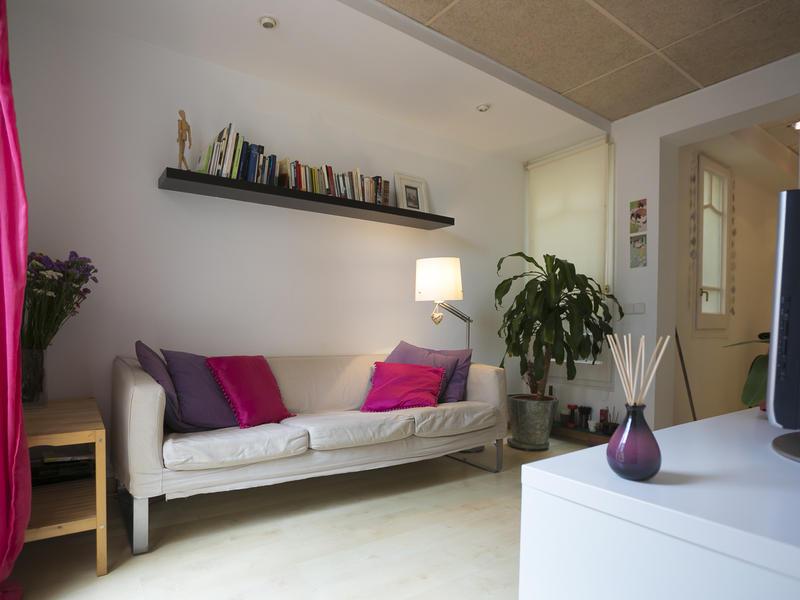 Oterocarola intercambia casa en barcelona espa a for Piso 600 euros barcelona