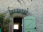 Maison En Pierres Dans Joli Village Provençal
