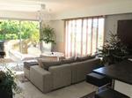 Beautiful, Contemporary, Sunny Apartment