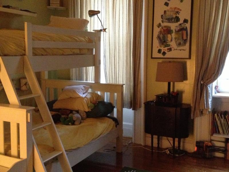 clairenalley change de maison brooklyn etats unis. Black Bedroom Furniture Sets. Home Design Ideas