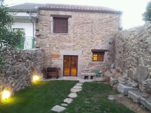 La barranca intercambia casa en fresnedoso espa a for Casas modernas revestidas en piedra