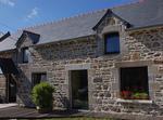 Bretagne : Longère Ancienne Dans Hameau Calme