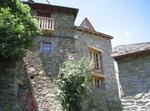 Casa Tipica Del Pirineo Catalán De Piedra Y Madera