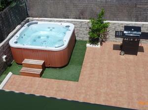 Pintabastos intercambia casa en cubelles espa a - Jacuzzi de terraza ...
