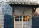 Camargue, Maison Ancienne Dans Village Typique