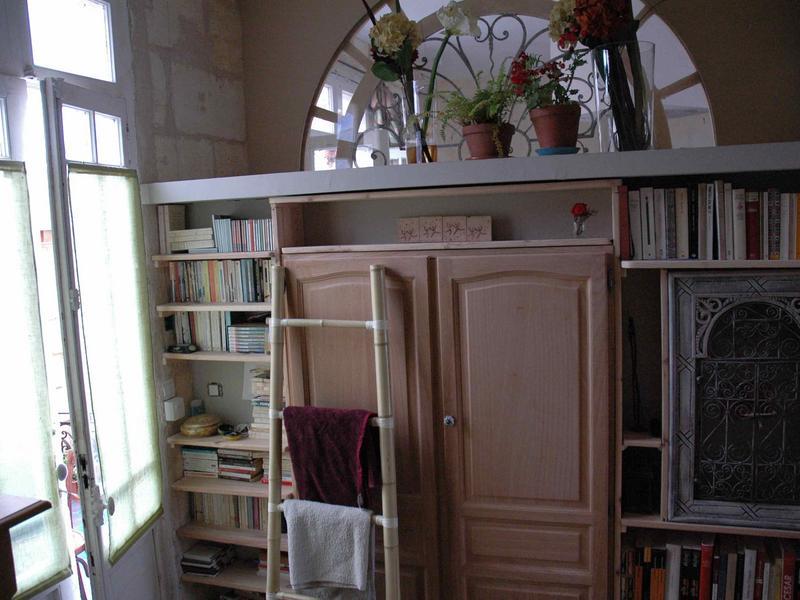 adetee change de maison bordeaux france. Black Bedroom Furniture Sets. Home Design Ideas