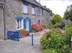 Maison Bleue Sur La Colline