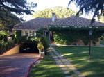 Chalet Independiente Con Amplio Jardin Y Piscina