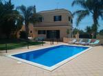 Casa Con Piscina En Central Algarve