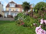 Casa Unifamiliar Con Jardin