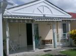 Petite Maison De Plein Pied Dans Jardin Tropical