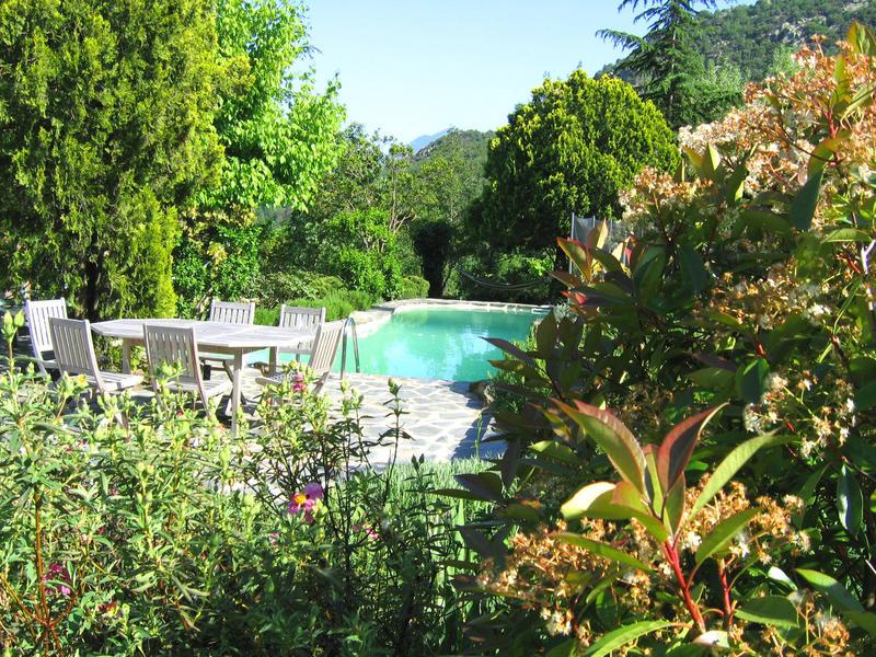 Maddy change de maison mosset france for Piscine village nature
